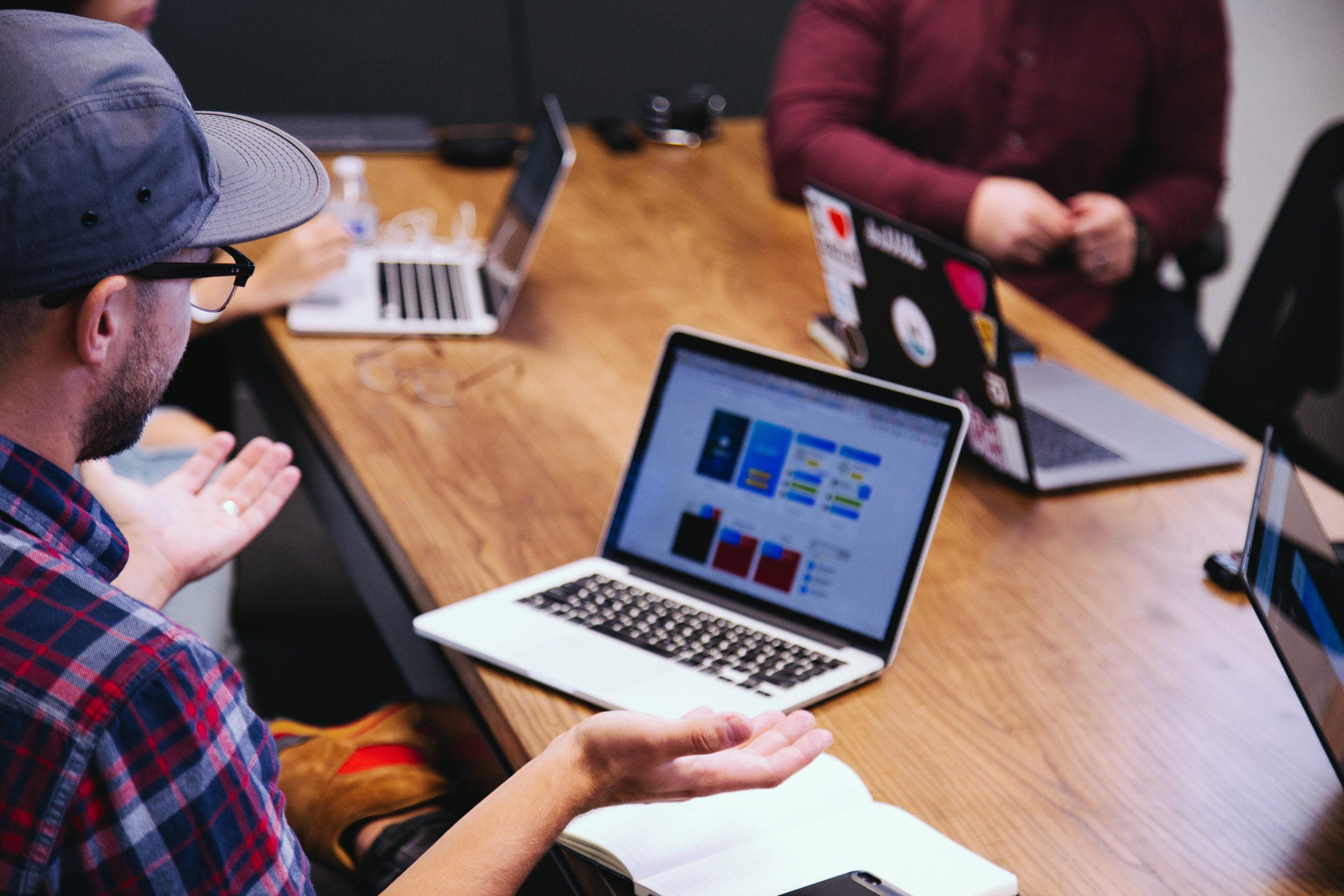 Read more about the article Billings, ARR, MRR, RPO? Wie steuert man eigentlich ein Software-as-a-Service- Unternehmen (SaaS)? Und welchen Sinn machen diese Financial KPIs eigentlich?