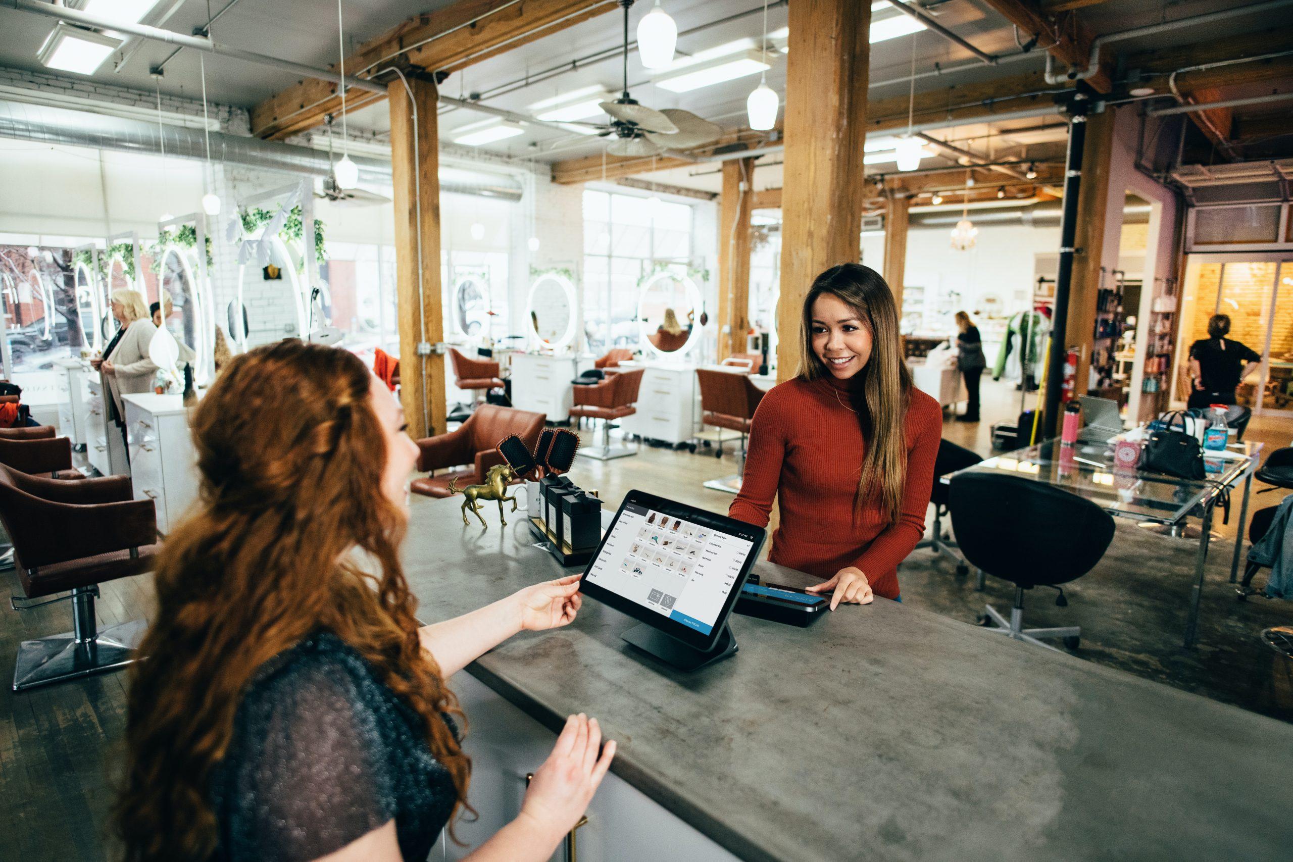 Read more about the article Wie steuert man eigentlich ein Dienstleistungsunternehmen? 3 essenzielle KPIs für den Erfolg!